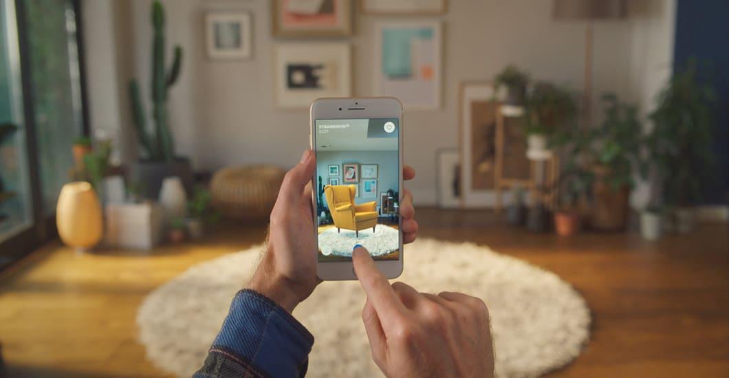 Markerless app AR